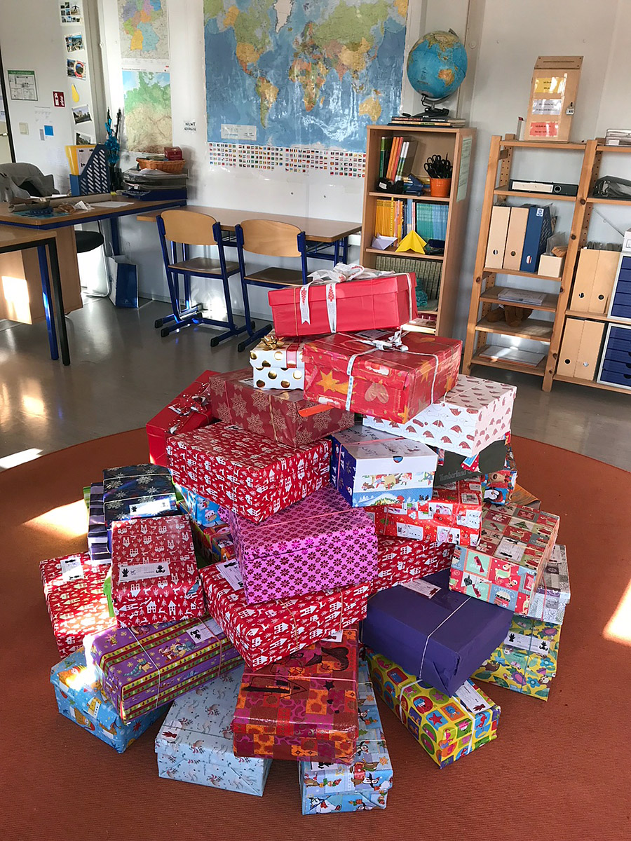 """Geschenk mit Herz"""" Aktion von Humedica e.V. – Montessori Schule ..."""